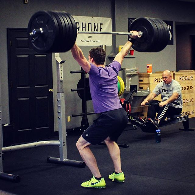 Channeled my inner @bambamkam for a Snatch Balance PR of 265 # this evening. Drive through the weight and stay tight. // //  @lindseyandshade
