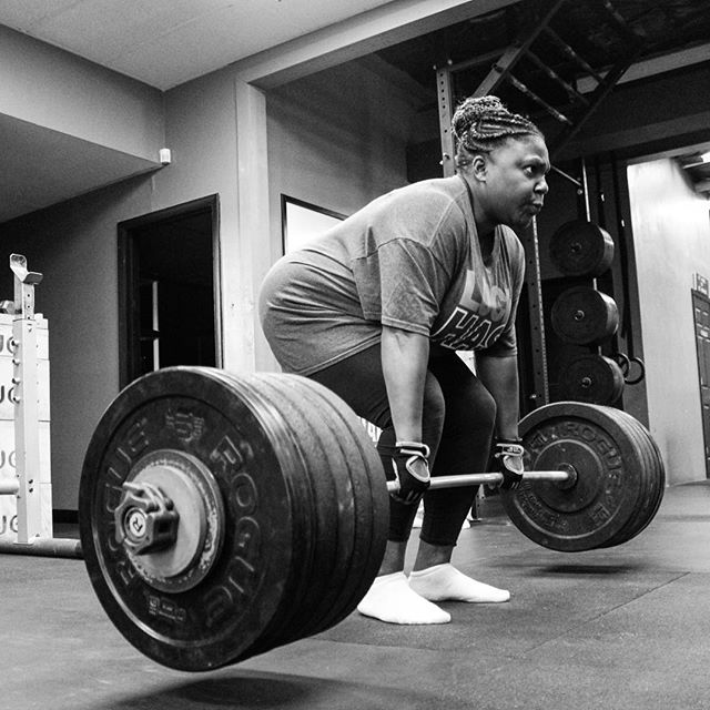 Shout out to @ebev3 & Miriam for both crushing Deadlift PRs of 210 # this evening. // // ? @horsepowerandbarbells