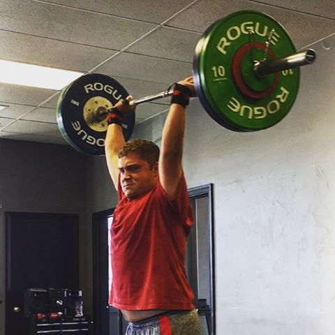 Shout out to @realbillshelton for crushing an 87kg Clean & Jerk this morning for a lifetime PR. He's worked super hard for this and has improved his mobility and specific strength massively over the past year. //