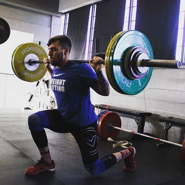 Single Leg Work is one of the most overlooked fitness characteristics, yet can yield huge increases in strength and athletic performance. Train legs independently on a consistent basis. // // ? @horsepowerandbarbells