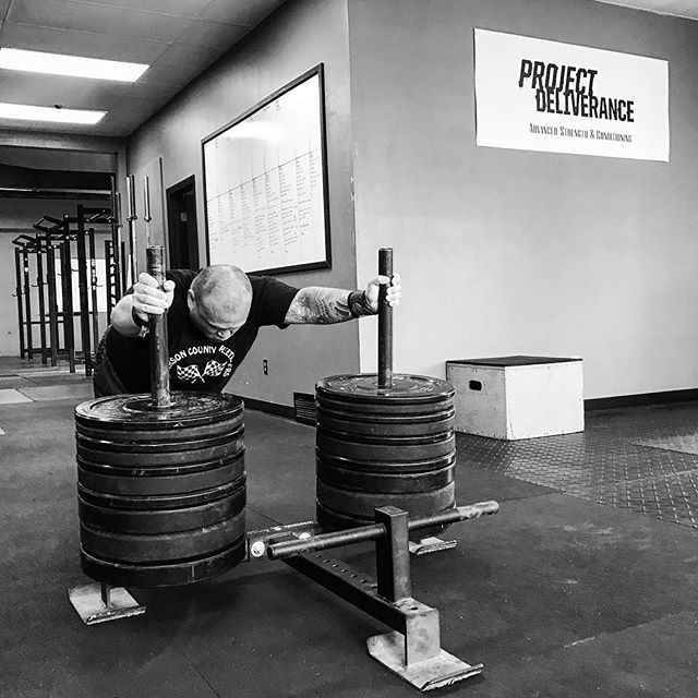 There are three things you can't neglect if you want strong legs: 1. Squats 2. Deadlift 3. Sled Work // Toby crushes 445 # for a 10m grinding sled push. // // ? @horsepowerandbarbells