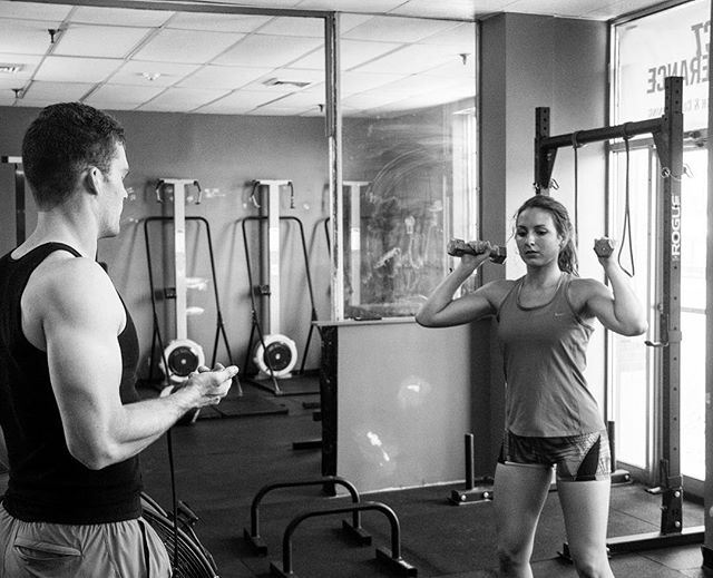 When working on shoulder rehab or prehab, less weight, more volume, and super strict form will always go farther than more weight and less volume. We're looking to build structural strength, strength endurance, and work capacity. Muscle tissue grows 3x slower than connective tissue. Always adjust the training to take that into consideration. // // 📸 @captainslasher