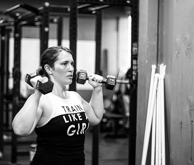 It's consistency that wins out over time. Pay attention every hour of every day. Dial it in and good things will happen. // // 📸 @horsepowerandbarbells
