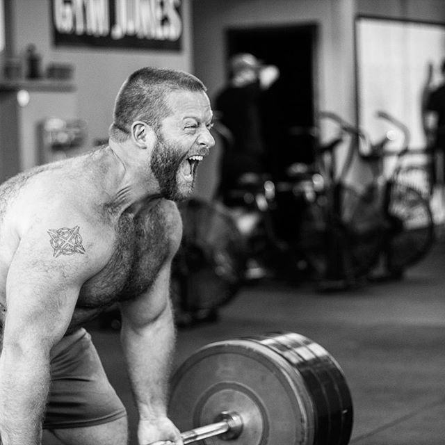 @jttrw77 destroys the weight. // 4x4 DL @ 435 # + 1x2 DL @ 515 # + 1x2 DL @ 545 # + 1x8 DL @ 435 # // // 📸 @captainslasher
