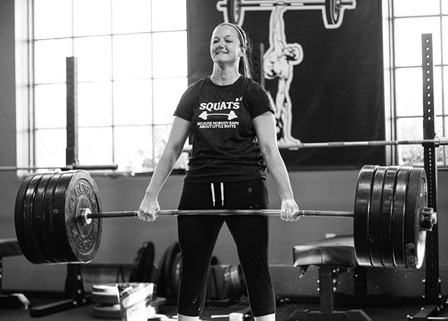 Kami @down1rib has overcome many obstacles and come back stronger than ever. She has undergone two procedures for thoracic outlet syndrome and still shows up and cranks PRs on Deadlift. This one is at 325 # // // 📸 @horsepowerandbarbells