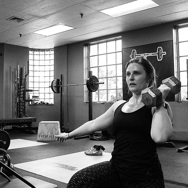 We are happy to have Ashleigh as a part of the gym. She is a fantastic athlete and has shown great potential during her short time with us. The future is bright. // // 📸 @horsepowerandbarbells