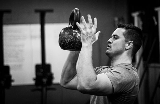Toss around weight, have fun, repeat. Do this consistently enough, with intent, and you will get stronger. No questions asked. // // 📸 @horsepowerandbarbells