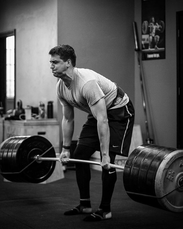 The relentless pursuit of power. // // 📸 @horsepowerandbarbells