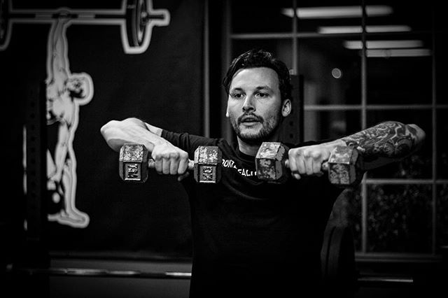 It's Tuesday. Dial it in. // // 📸 @horsepowerandbarbells