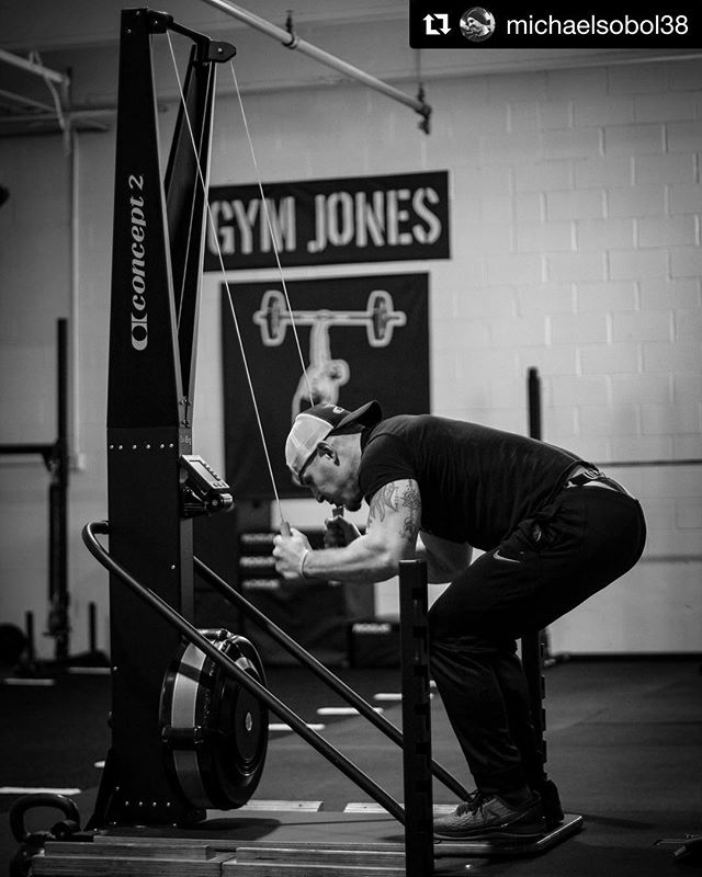 Time to open it up. @michaelsobol38 & @horsepowerandbarbells are en route to @gymjonessalvation // Repost @michaelsobol38 // @gymjonessalvation advanced seminar. The final block. Locked and loaded.