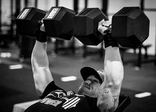 Nothing profound ever happens in your life when you remain in your comfort zone. // // 📸 @horsepowerandbarbells