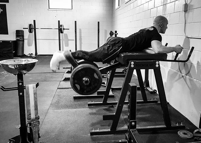 High horsepower engine platforms generate a lot of wear on components and on a long enough timeline, will tear themselves apart. - What you need is forged and 'built' internals to accommodate extra power output. @michaelsobol38 at work increasing structural integrity. // // 📸 @horsepowerandbarbells