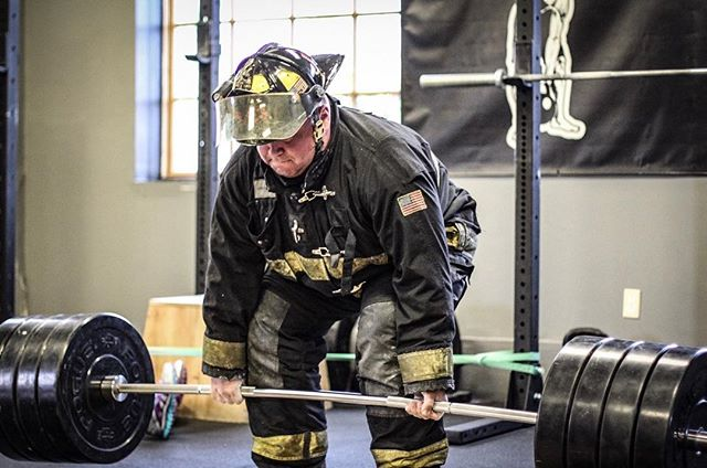 Training for First Responders.  // // 📸 @horsepowerandbarbells