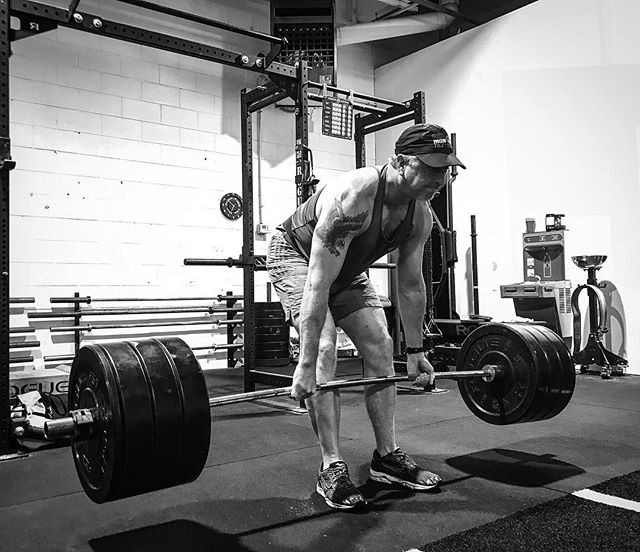Train your mind, build your engine, and your body will follow. Horsepower and performance ahead of appearance. // // 📸 @horsepowerandbarbells